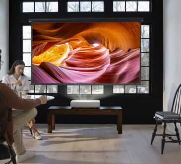 "Samsung Electronics anunció su nuevo proyector láser 4K Ultra Short Throw, The Premiere, durante su conferencia de prensa virtual ""Life Unstoppable""."