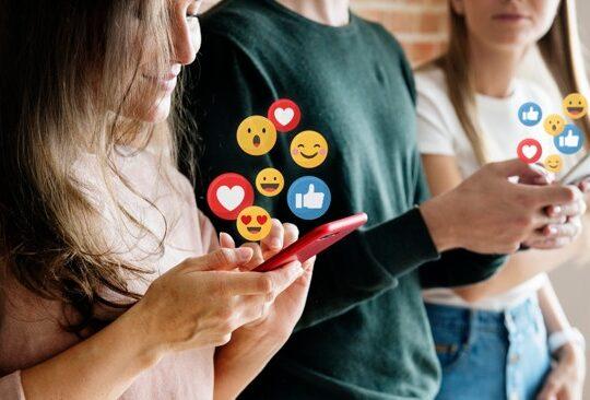En una era en la que la tecnología tiene un rol fundamental en el relacionamiento de las personas, los colombianos hemos usado apps para encontrar el amor