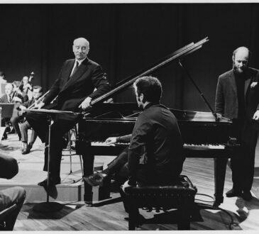 Film&Arts estrena la serie inédita que acompaña a un joven Daniel Barenboim que con 21 años interpreta y analiza en 13 episodios las composiciones claves de Beethoven en su aniversario.