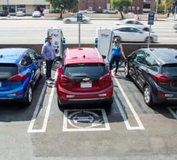 General Motors quiere poner fin a la producción de todos los coches, camiones y SUV propulsados por diésel y gasolina para 2035 y cambiar toda su nueva flota a vehículos eléctricos