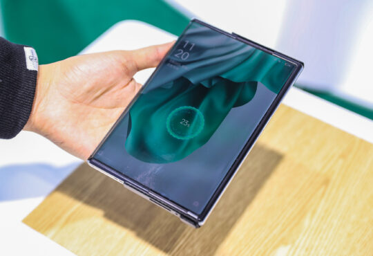 """OPPO marca una nueva era en la tecnología de carga móvil, ya que lanza su proyecto de carga rápida denominada: """"The Flash Initiative""""."""